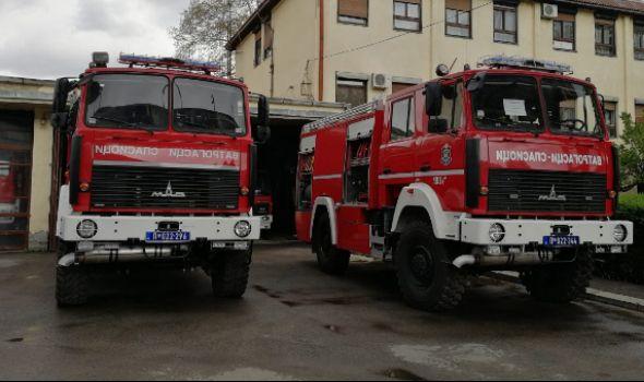 Kragujevački vatrogasci dobili novo vozilo od MUP-a (FOTO)