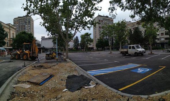 Zašto još nije gotova rekonstrukcija parkinga kod Robne kuće?