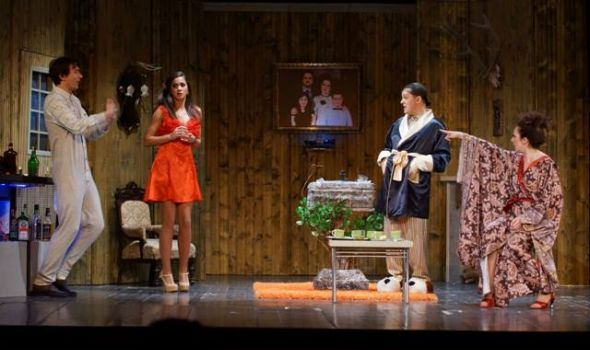"""Komedija """"Pidžama za šestoro"""" u Knjaževsko-srpskom teatru"""