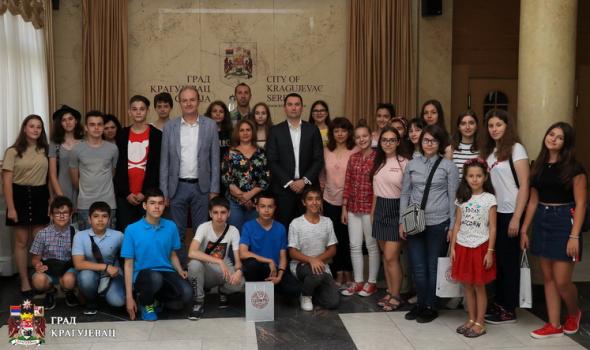 Razmena učenika Piteštija i Kragujevca nagrada za najbolje đake