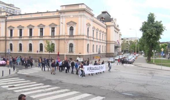 """Oko stotinak građana: Skromno zbog praznika ili nezainteresovanost za protest """"1 od 5 miliona""""?"""