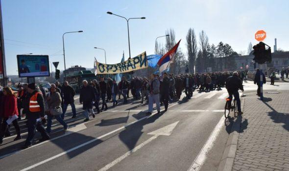 """Oružari traže """"šok terapiju"""" za spas fabrike od kolapsa, Nikolić ponudio da bude """"kanal komunikacije"""""""