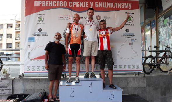 Kragujevački biciklisti osvojili 10 medalja u Čačku (FOTO)