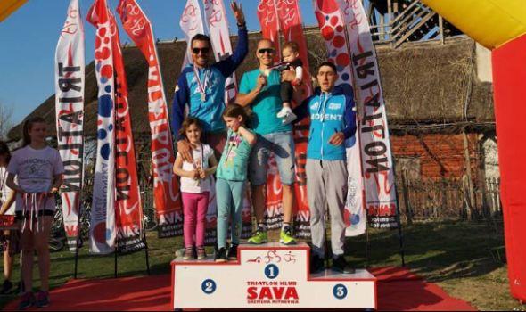 Klub ekstremnih sportova Kragujevac trijumfovao u Zasavici, osvojeno 14 medalja (FOTO)
