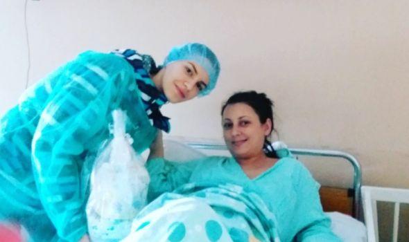 Rotaraktovci darivali prvorođenu bebu na Božić novčanom čestitkom i tortom od pelena