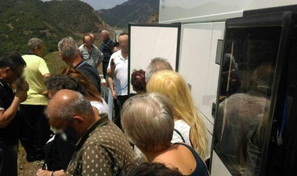 TRAUMA turista iz Kragujevca: U Paraliji zbog POKVARENOG AUTOBUSA tek u 4 POPODNE umesto ujutru!