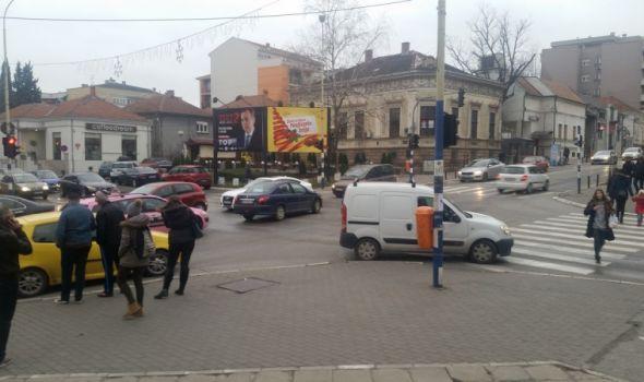 GUŽVE na najprometnijim raskrsnicama u Kragujevcu
