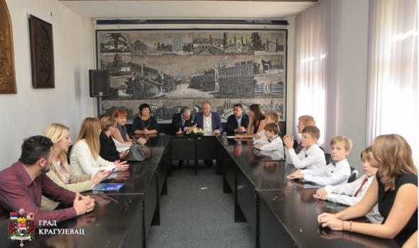 Kragujevac se ugleda na rusko obrazovanje: Saradnja ovdašnjih đaka sa učenicima iz Moskve, Perma i Ohrida