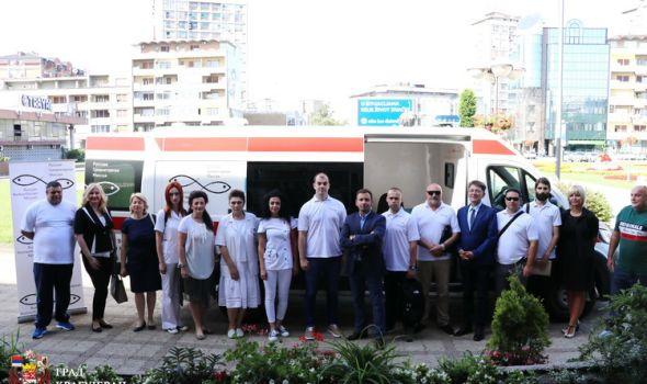 MOBILNA KLINIKA sa timom ruskih i srpskih lekara obilazi meštane sela koja nemaju ambulante