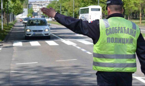 Saobraćajci dvojicu vozača u alkoholisanom stanju odveli na trežnjenje