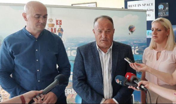 """Šarčević: Centri izvrsnosti se grade """"kao Skadar na Bojani"""""""