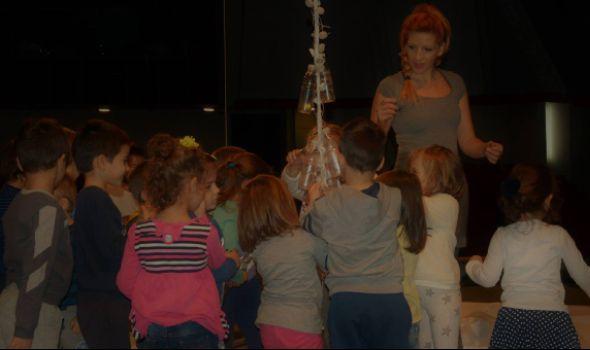 """""""Šareno drvo"""" u Pozorištu za decu"""