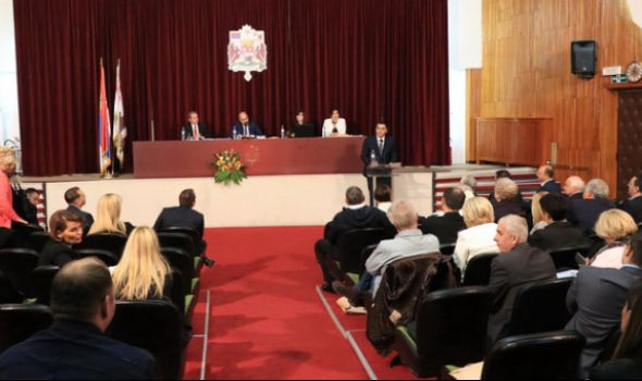 Usvojen BUDŽET za 2019. uz oštru RASPRAVU vlasti i opozicije