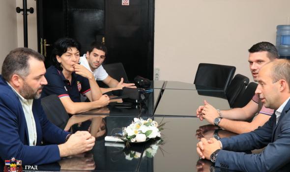 """Delegacija Sportskog saveza Srbije u poseti Kragujevcu: """"Situacija POZITIVNA"""""""