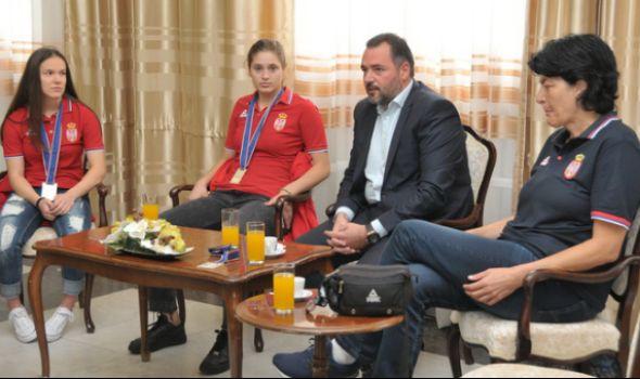 Kragujevačke srebrne košarkašice: Ponosne na uspeh, biće još medalja