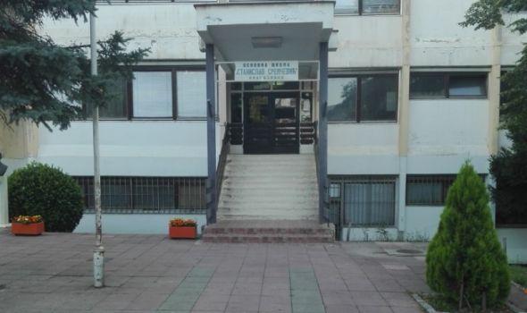 """Đaci OŠ """"Stanislav Sremčević"""" od septembra u lepšim učionicama, obnova pravi uštede školi"""