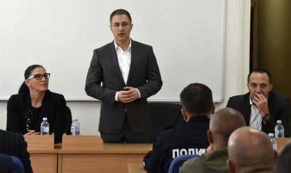 Stefanović poručio kragujevačkim KRIMINALCIMA: Ovde se nećete osećati komforno! (FOTO)