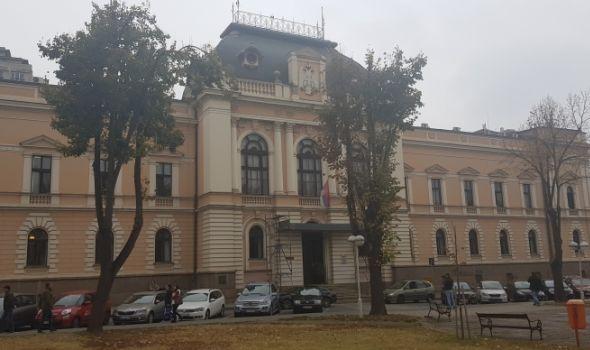 Odloženo suđenje bivšim policajcima koji su hteli da se spale u sudnici