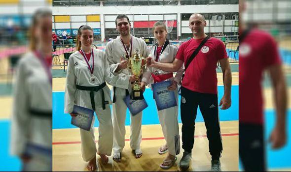 Trijumf Tekvondo akademije Kragujevac u Novom Sadu