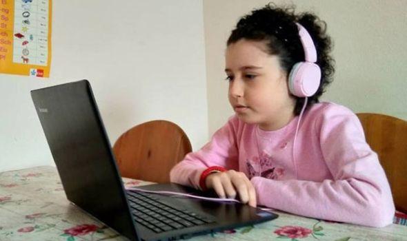 Plemenit gest učiteljice Gorice: TEODORI drži nastavu preko Skajpa