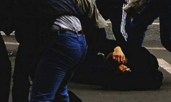 Hapšenje: Pretukli muškarca i tražili novac da mu ne POBIJU porodicu