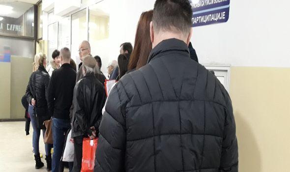 Klinički centar: Na UPISU se ponovo čeka po pola sata, počelo rešavanje problema