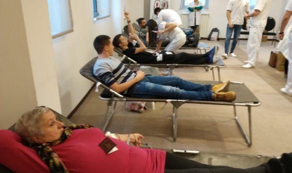 """Velika zimska akcija dobrovoljnog davanja krvi u hotelu """"Kragujevac"""""""