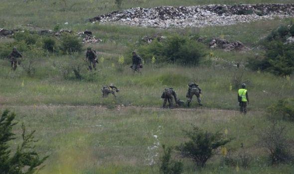 Gađanje iz pešadijskog naoružanja kod Kragujevca, evakuacija stanovništva i stoke
