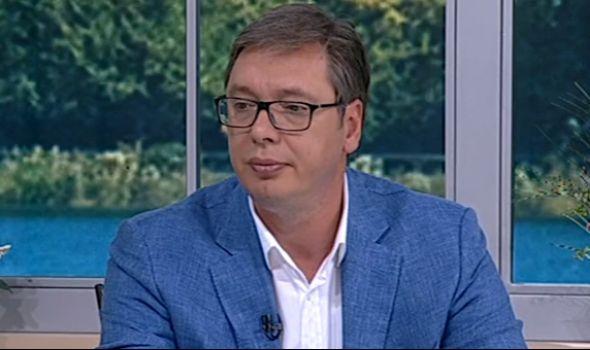 """Vučić: """"Čika Dača"""" uništen, moramo da gradimo stadion i u Kragujevcu"""