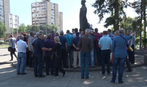 """Predlog za stečaj u Zastava kamionima: Radnici ostaju """"kratkih rukava""""?"""