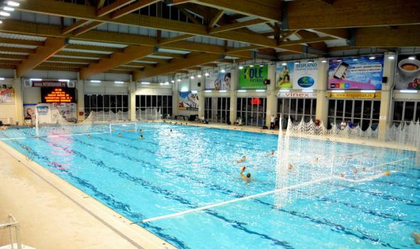 Đaci i studenti besplatno na zatvoreni bazen