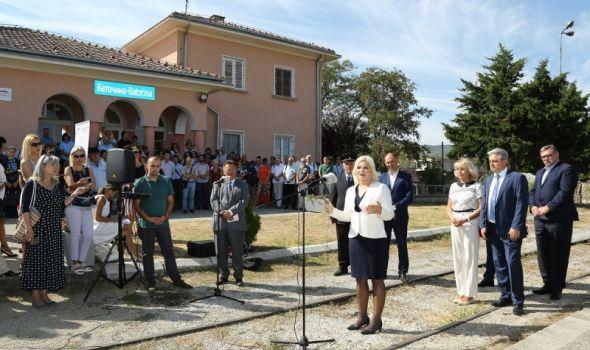 Rekonstrukcija posle 132 godine: Vozom od Lapova do Kragujevca za manje od pola sata