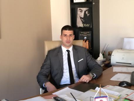 uroš kancelarija