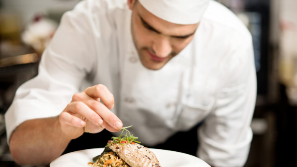 "Restoranu ""Lađa Francuska"" potreban kuvar"