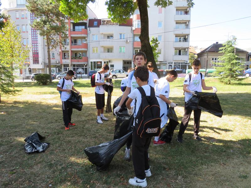 Održana akcija čišćenja Velikog parka (FOTO)