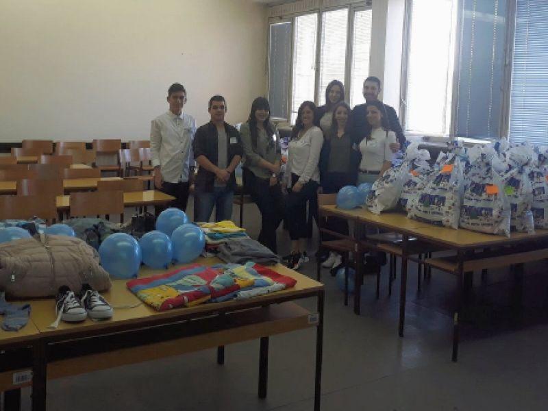 "Studentsko srce: Klub ""Aktiva"" obradovao paketima pomoći 35 socijalno ugroženih porodica (FOTO)"