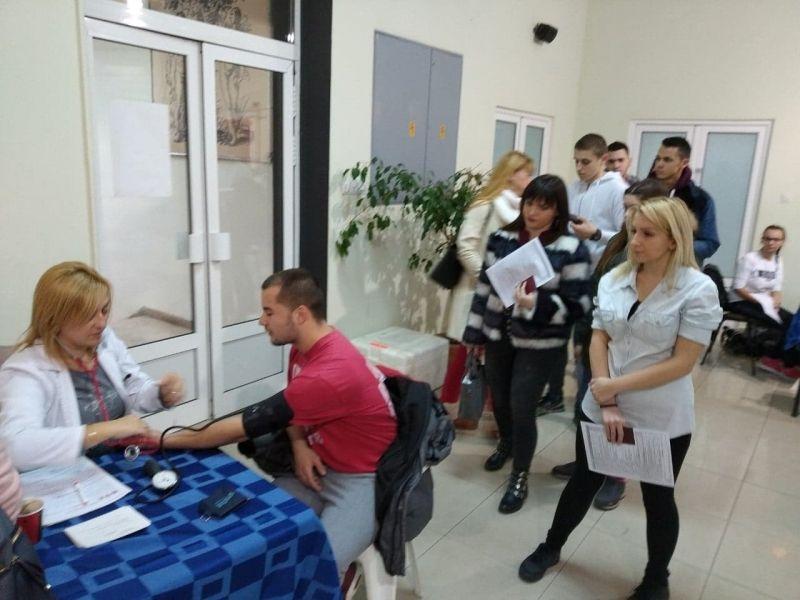 Studenti Medicinskog fakulteta prikupili 57 jedinica krvi, sledeći je PMF (FOTO)