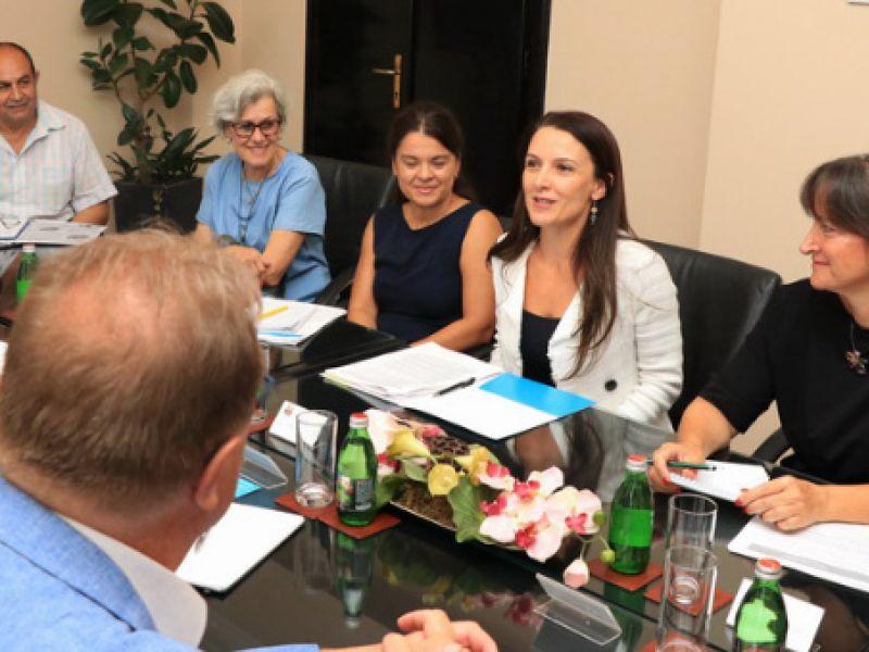 """Delegacija UNICEF-a posetila Kragujevac povodom realizacije projekta """"Podsticajno roditeljstvo kroz igru"""""""