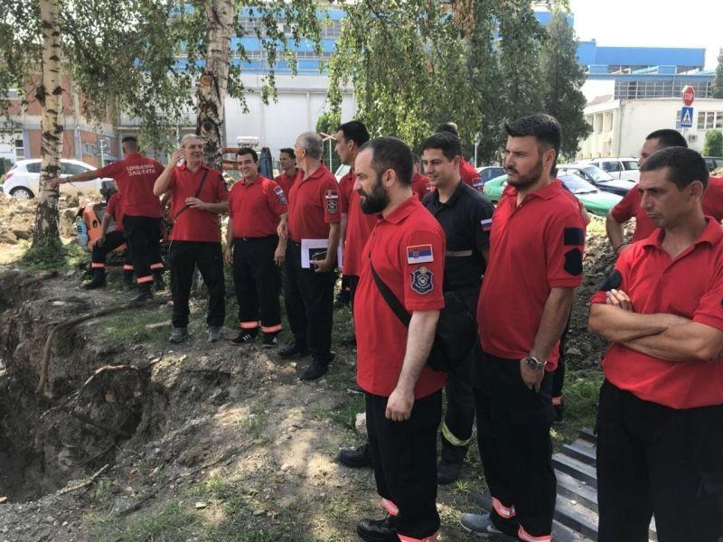 Ovako se uvežbavaju Specijalizovane jedinice civilne zaštite (FOTO)
