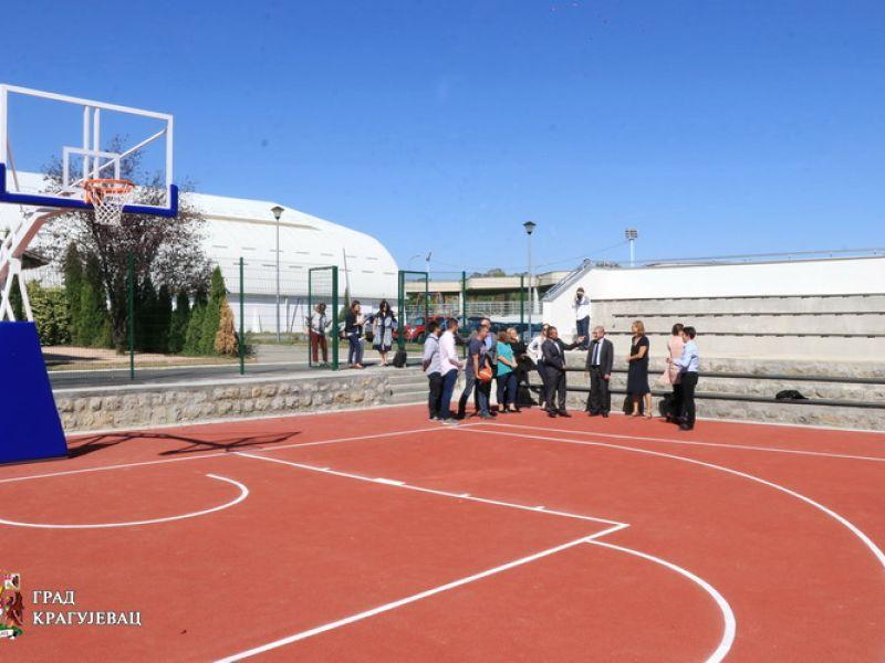 Gotova obnova KOŠARKAŠKOG TERENA u Velikom parku, EU zadovoljna kako grad koristi dobijena sredstva (FOTO)