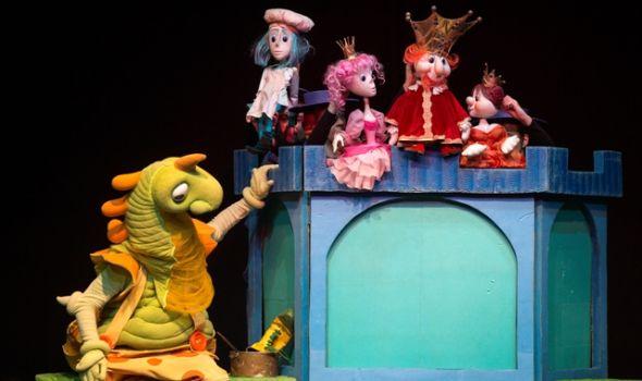 """Predstava """"Ah, taj zmaj"""" u Pozorištu za decu"""