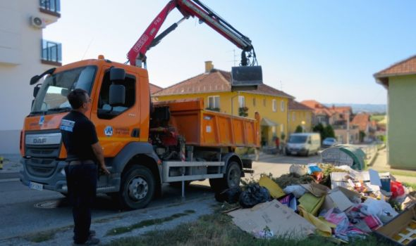 """""""Začarani krug"""" na Sunčanom bregu: Divlja deponija pored kontejnera - nadležni očiste, pojedinci ponovo bacaju smeće"""