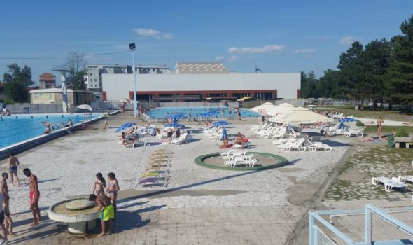 Zatvoreni bazen ne radi, uskoro kraj kupališne sezone na otvorenim