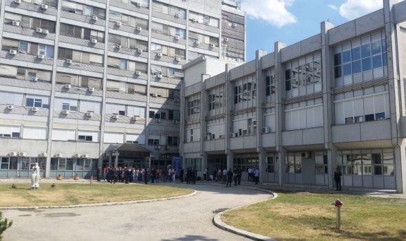 Španski hirurg ponovo u Kragujevcu: Ventura besplatno operiše dece sa deformitetom kičmenog stuba iz cele Srbije