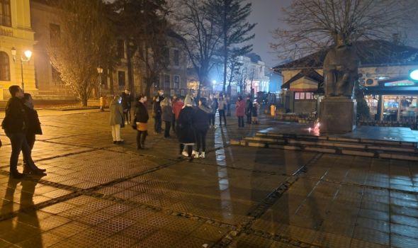 Kragujevčani odali poštu Đorđu Balaševiću (FOTO)
