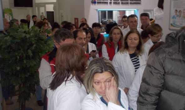 Zaposleni u Institutu za javno zdravlje traže od Vučića da im sačuva direktora