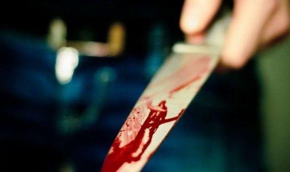 MANIJAK: Zario ženi nož u leđa, taksiste napadao i šrafcigerom
