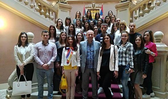 Studenti ekonomije posetili Beogradsku berzu i NBS (FOTO)