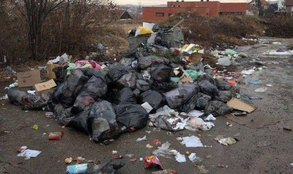 Sramotna slika, a ništa novo za grad: Deponija nikla i pod prozorom Kneginje Ljubice