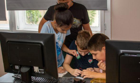 ABAKO: Pretvorite vreme koje vaše dete provodi pored računara u nešto kreativno, korisno i dragoceno za razvoj
